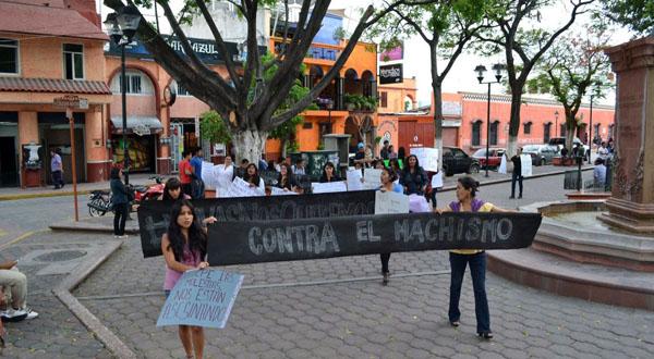 Exigen declarar alerta de género por feminicidios en la Mixteca