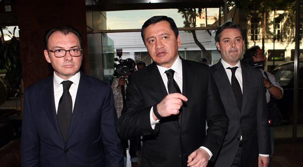 Por sus pugnas por la presidencia, el Cártel 22 sale ganando.- Alberto Unda