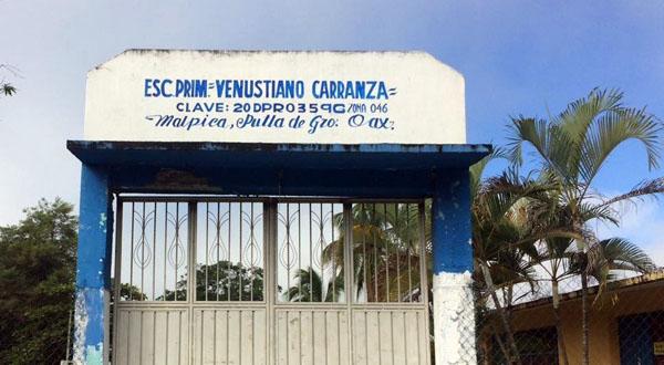 Maestros de primaria en Malpica cumplieron tres días retenidos