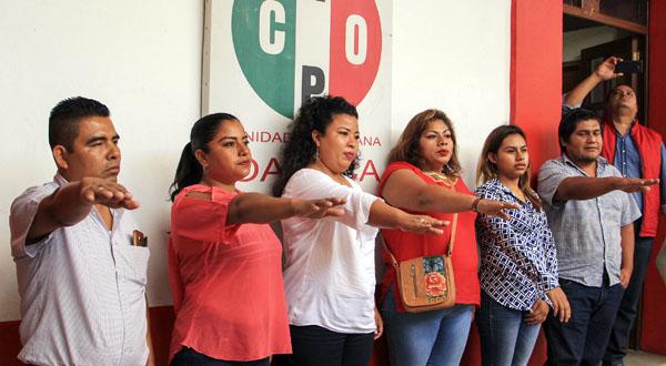 Toma protesta nueva secretaria general municipal de la CNOP en Tehuantepec