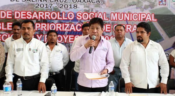 Las obras consolidarán el desarrollo de Salina Cruz: Rodolfo León Aragón