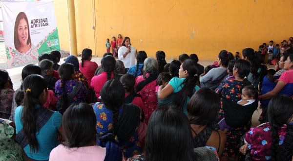 Buscará Adriana Atristain disminuir la carencia social en Santa María Zaniza