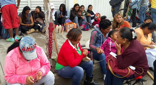 Bloquea FNIC carreteras y dependencias en Huajuapan