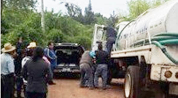 Muere hombre adentro de una pipa en Huajuapan
