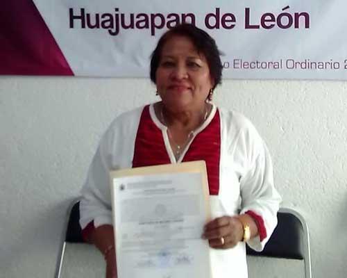 Entregan constancia de mayoría a diputada local electa por Huajuapan