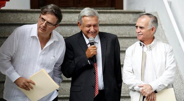 """¿Debe otorgar la ciudadanía, un """"periodo de gracia"""" para el gobierno de Andrés Manuel?"""