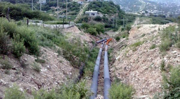 Pemex exhorta a la población a no invadir el derecho de vía