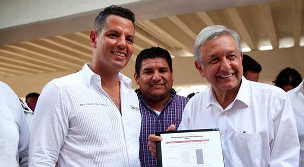 Gira de AMLO productiva para Oaxaca * Pidió AMLO a CNTE dar clases de lunes a viernes