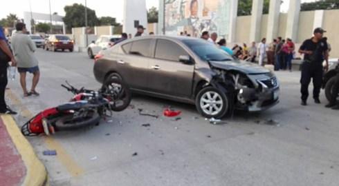 Un lesionado dejó choque entre motociclista y automovilista