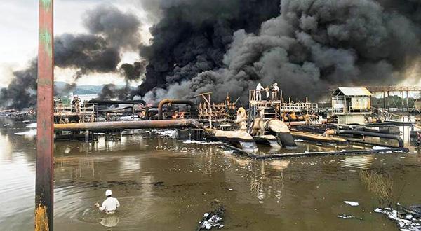 La refinería sigue operando con altibajos