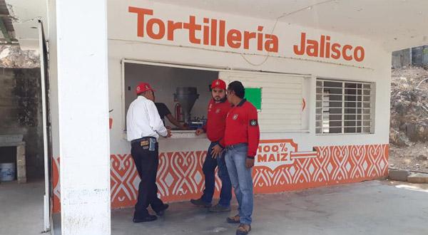 Verifican tortillerías que están cerca de escuelas