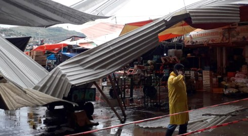 Ayuntamiento capitalino atiende afectaciones por lluvias
