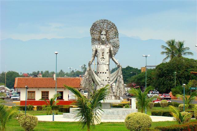 Monumento a la Mujer Tehuana