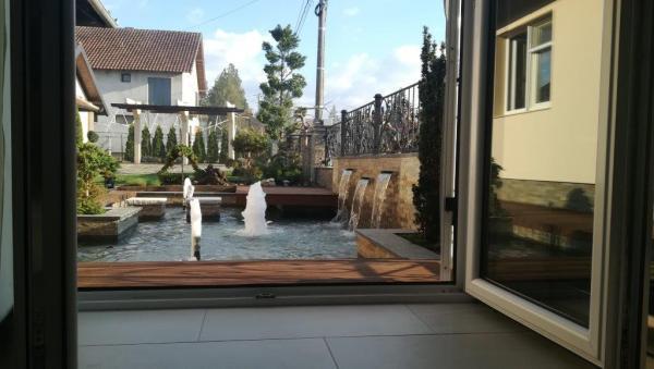 pogled-na-fontanu-iz-doma