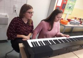 Oberschule Briesen_Adventsbasteln unserer 8 Klassen_2019_8