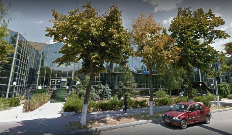 Ialomița: Achiziția sediului BCR, din nou în atenția consilierilor județeni