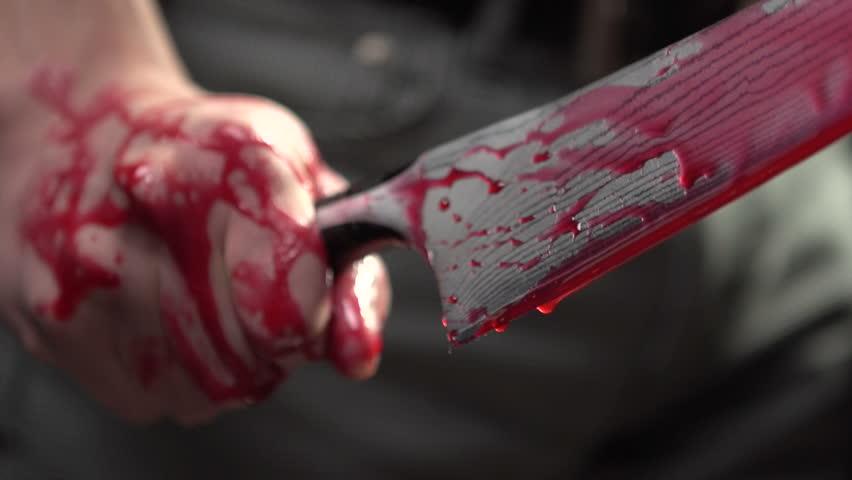 Ialomița: Tentativă de omor. Și-a înjughiat soția cu un cuțit. Arestat preventiv