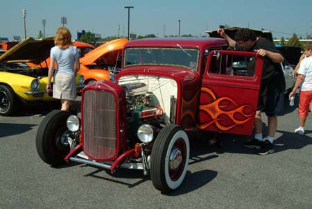 Obie's Deuce striking a pose at the Hot Rod Hoedown back in September,2005. Thanks @Kobbie's Klubhouse