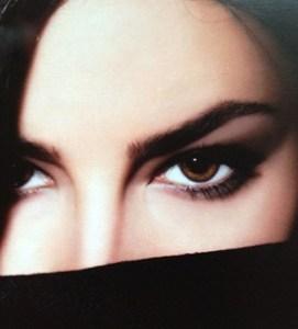 brown-eyes-closeup