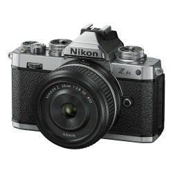 Nikon Z fc 28 mm SE