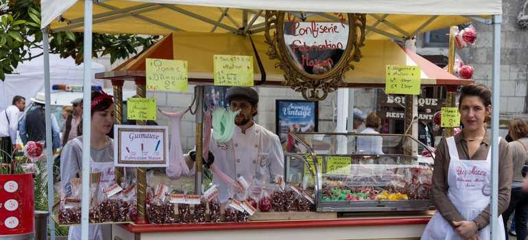 Saumur l'avant Anjou velo vintage au village