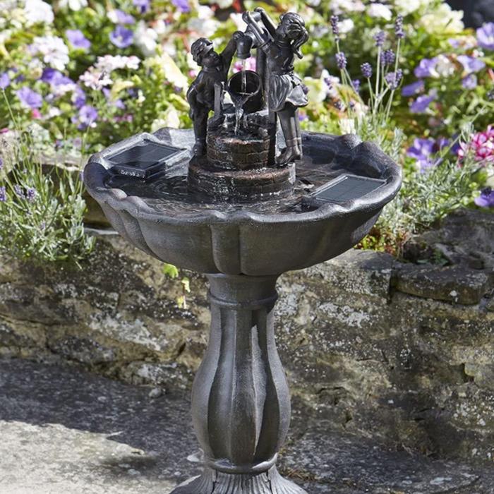 fontaine solaire bain d oiseaux enfants seau basculant fontaines solaires objetsolaire