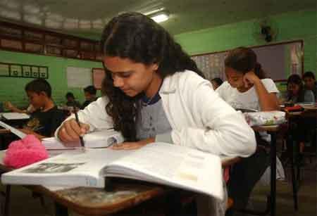 Jornada ampliada é menor em escolas públicas do Norte e Nordeste