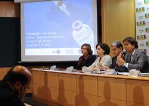 Brasil vai vacinar 62 milhões de pessoas contra gripe suína