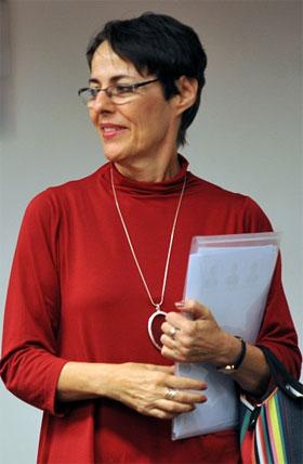 Ministra da cultura Ana de Holanda defende Lei Griô Nacional
