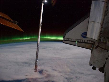 Fotografia de Aurora Austral tirada do espaço