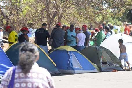 Foto dos trabalhadores rurais acampados em Brasília