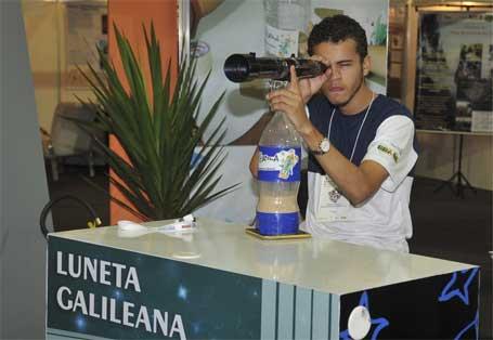 Foto 5 - Experimentos expostos na 8ª Semana Nacional de Ciência e Tecnologia