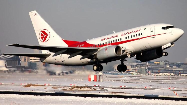 Photo d'un décollage d'un avion d'Air Algérie