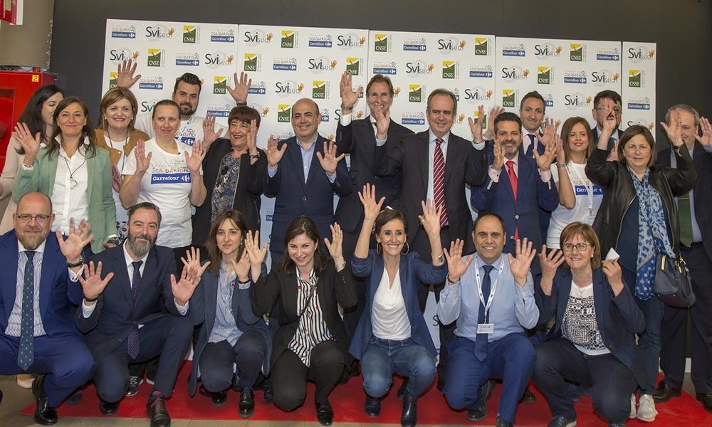 Carrefour implementa el servicio de video-interpretación para personas sordas en sus hipermercados de Asturias