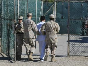 Biden annonce la fermeture de Guantanamo: encore des promesses?
