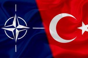 L'Otan n'exclut pas la Turquie craignant son rapprochement avec la Russie