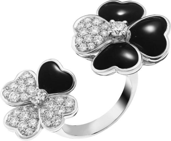 VCARO55000_Between the Finger Ring Cosmos, white gold, onyx, diamonds, diamond center_512744