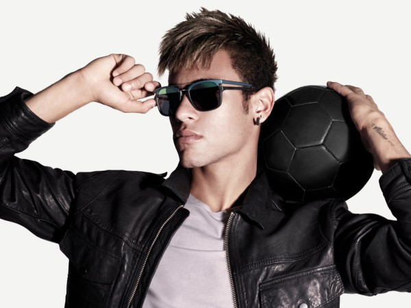 Police Neymar Special Style Ad__la-mode-c-nous_live-la-mode-c-nous_lmcn_livelamodecnous_llmcn_1