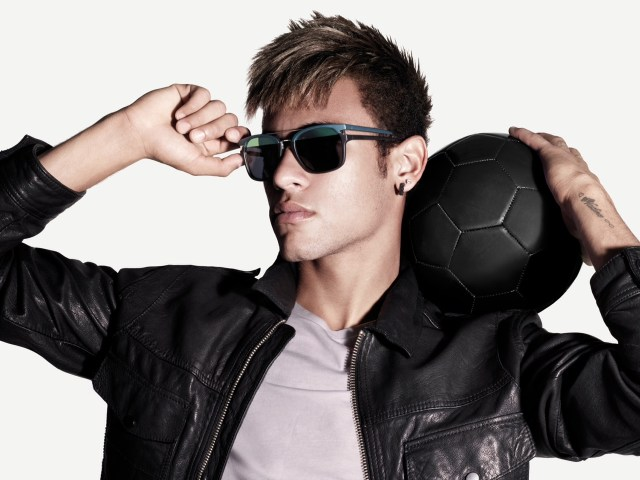 Police Neymar Special Style Ad__la-mode-c-nous_live-la-mode-c-nous_lmcn_livelamodecnous_llmcn_1