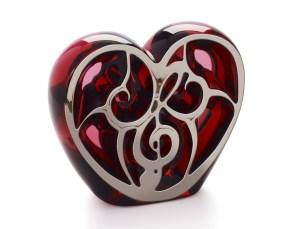 Lalique_Sculpture-coeur-rouge-emaille-platine_lamodecnous.com-la-mode-c-nous_livelamodecnous.com_live-la-mode-c-nous_lmcn_livelamodecnous