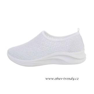 bílé síťované tenisky