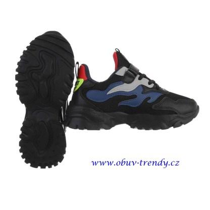 černé chlapecké tenisky