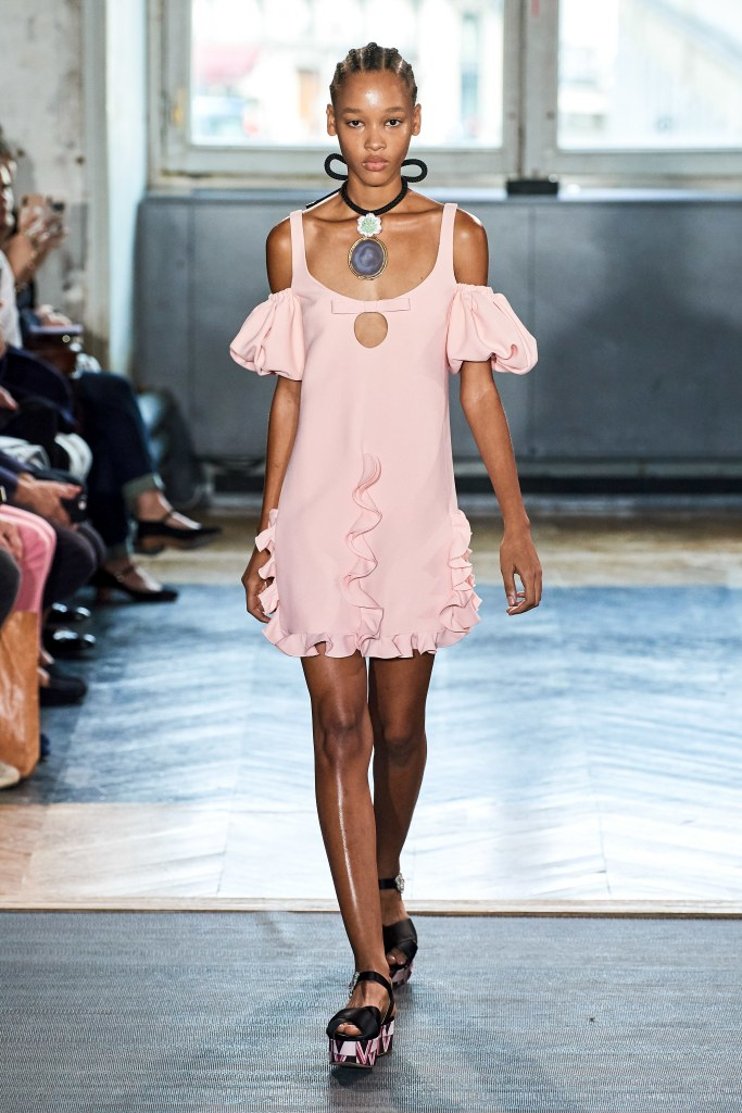 RUFFLES ALLOWED – GIAMBATTISTA VALLI