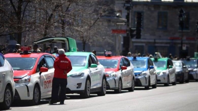 https://i.cbc.ca/1.4227903.1501362437!/fileImage/httpImage/image.jpg_gen/derivatives/16x9_780/taxi-fleet-bonjour.jpg