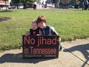Murfreesboro protesters bravely confront a bonafide skinhead