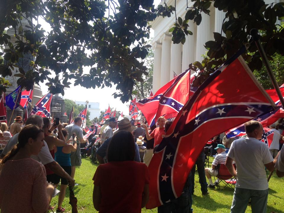 Confederate flag rally in Montgomery, AL draws crowd of nearly 1,000 people