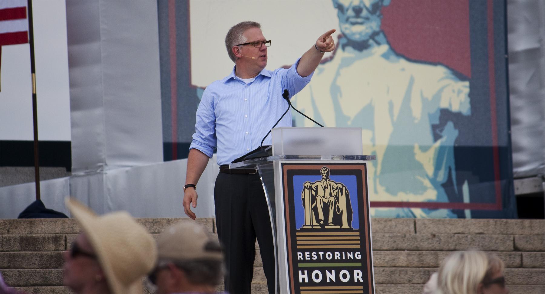 Gays at beck honor rally