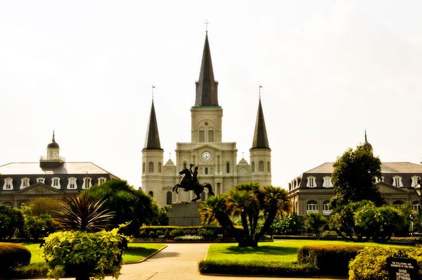 cathedral-french-quarter_35995_600x450