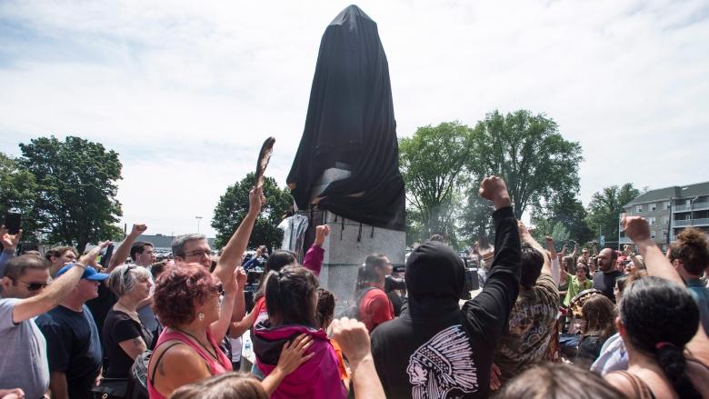 cornwallis-statue-protest-20170715