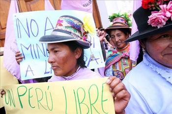 Los proyectos extractivos como afectan de manera significativa la vida de la mujer indigena large